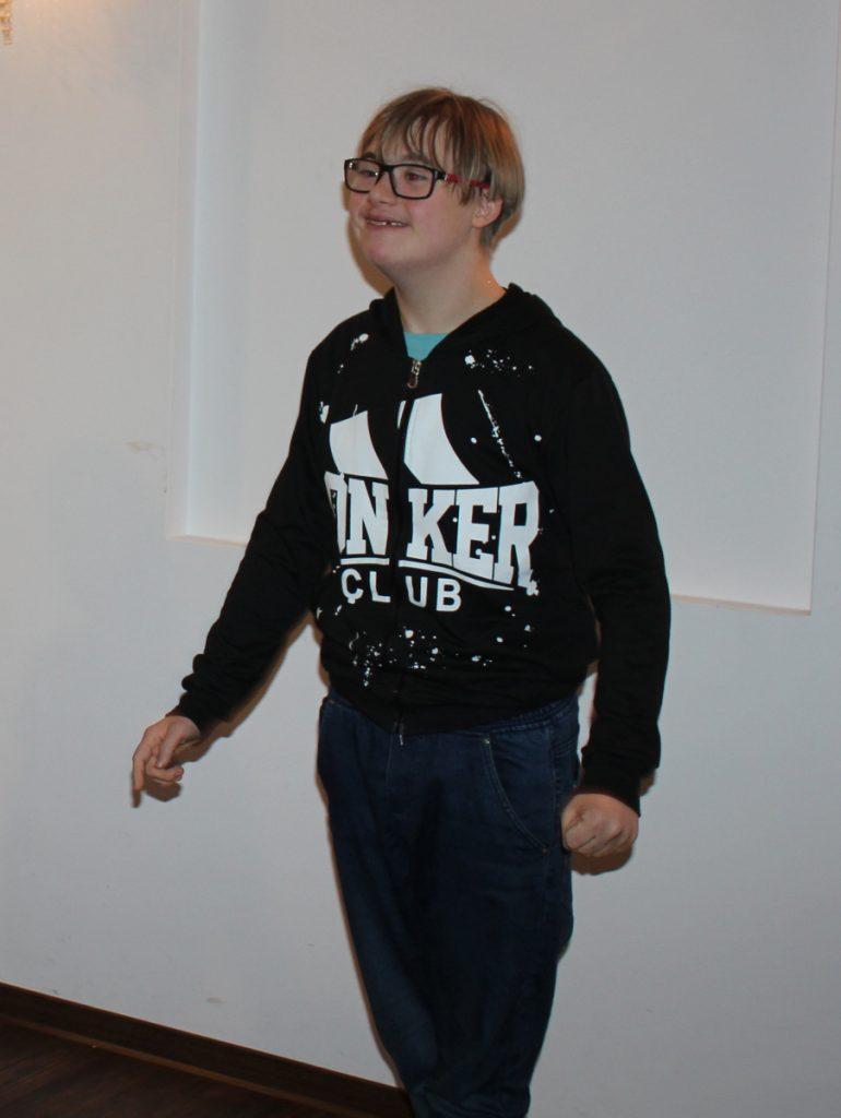 czternastoletni chłopiec z zespołem Downa