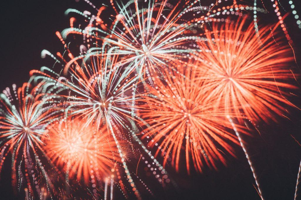 ognie sztuczne na Nowy Rok