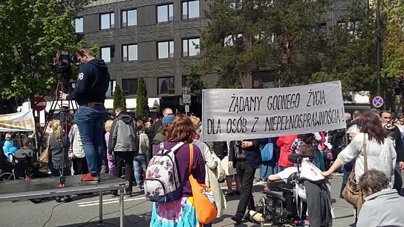 Protest pod Sejmem RP