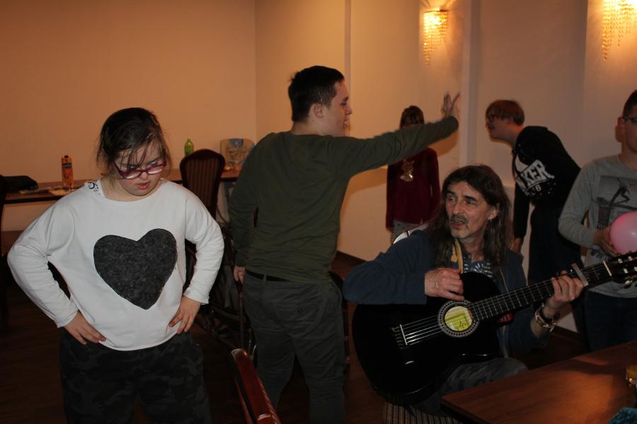Taniec przygitarze