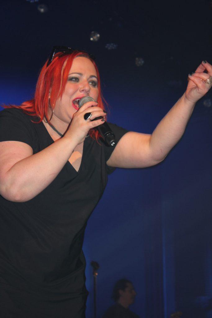 wokalistka zespołu Marta