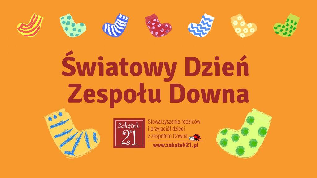skarpetki na pomarańczowym tle na Światowy dzień osób z zespołem Downa