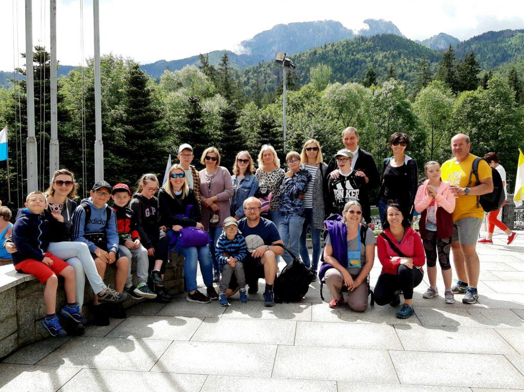 zdjęcie grupowe zakątka 21 na krzeptówkach